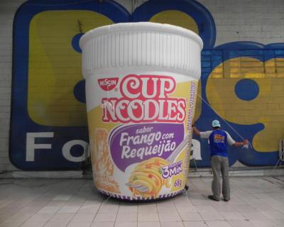 [Réplica Inflável Cup Noodles - Frango com Requeijão]