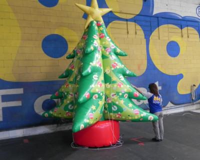 [Árvore de Natal Inflável]