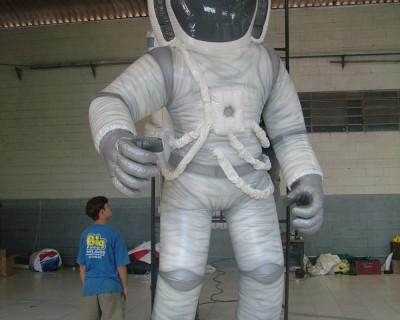 [Carnaval Inflável - Astronauta Viradouro]